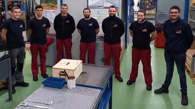 L'équipe de l'atelier réparation en France