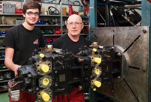 Nos techniciens sont spécialisés dans la réparation de pompes et moteurs hydrauliques Danfoss