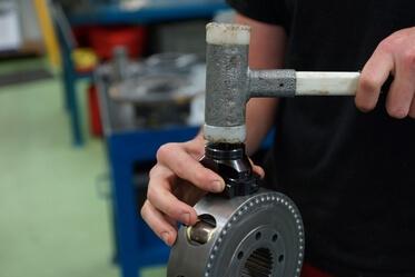 Réparation hydraulique sur pompe / moteur poclain hydraulics