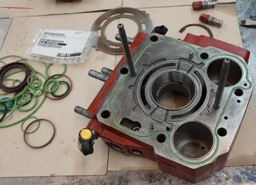 Moteur Linde hydraulique en remontage avec pièces d'origine Linde