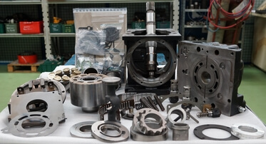 Réparation d'une pompe hydraulique à pistons Sauer Danfoss Sundstrand