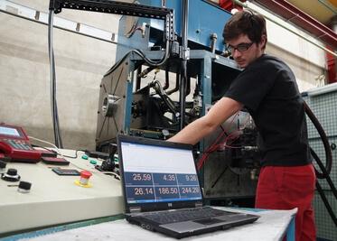 Réparation d'une pompe à pistons Sauer Danfoss Sundstrand