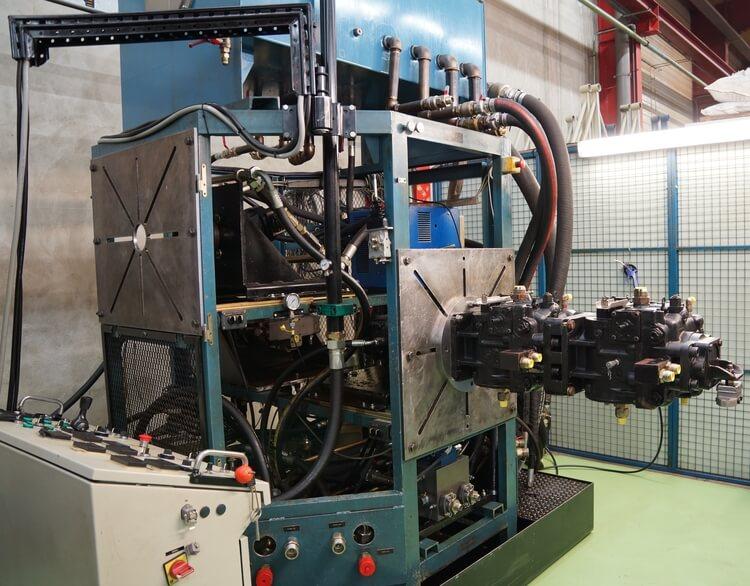 Réparation d'un moteur à pistons Sauer Danfoss Sundstrand