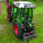 Hydraulic top links per tractor power